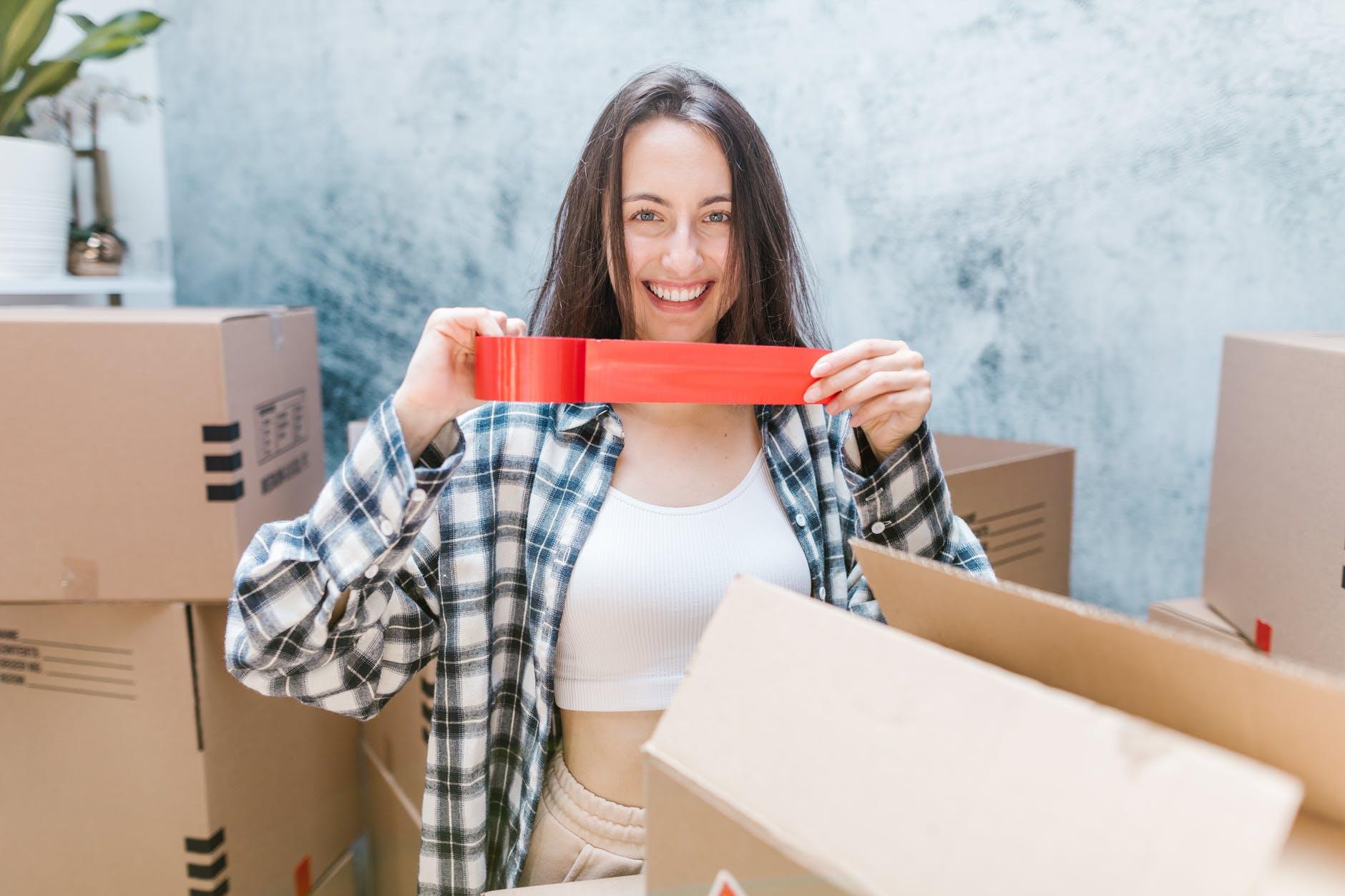 žena, škatule, páska